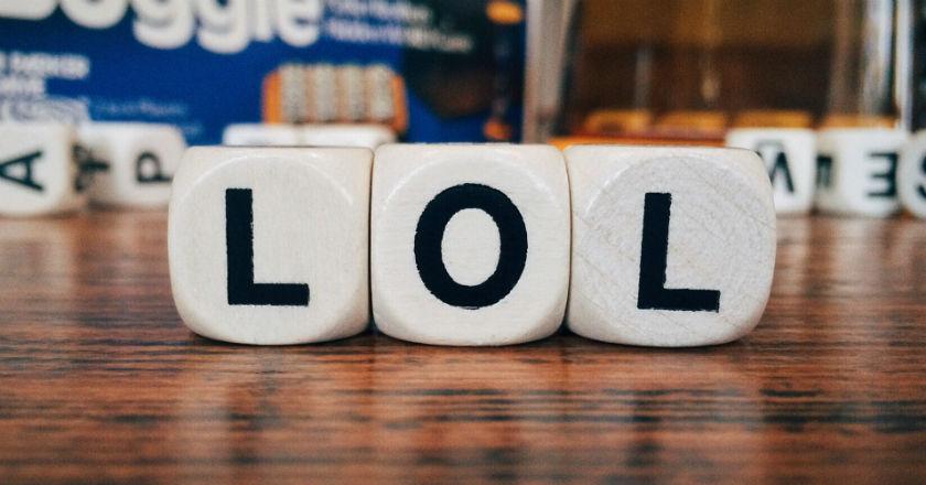 16 acrónimos y siglas para aprender inglés