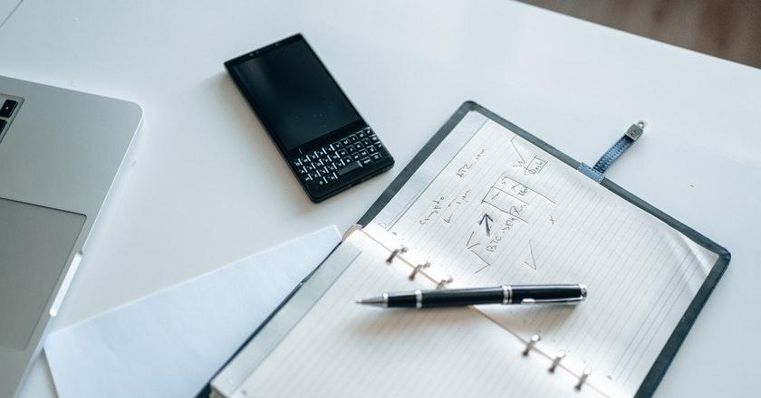 Consideraciones financieras antes de comenzar a emprender